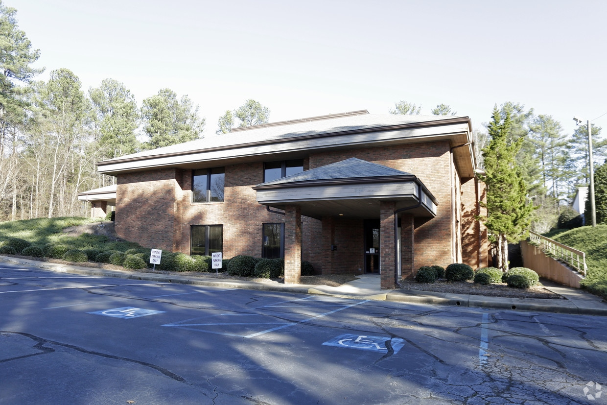 SOLD – 14,000 Square Foot Office in Spartanburg